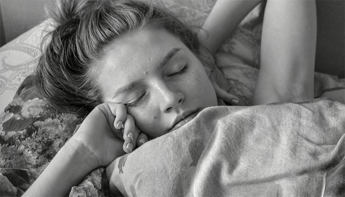 Видеть себя голой во сне - толкование сна по сонникам