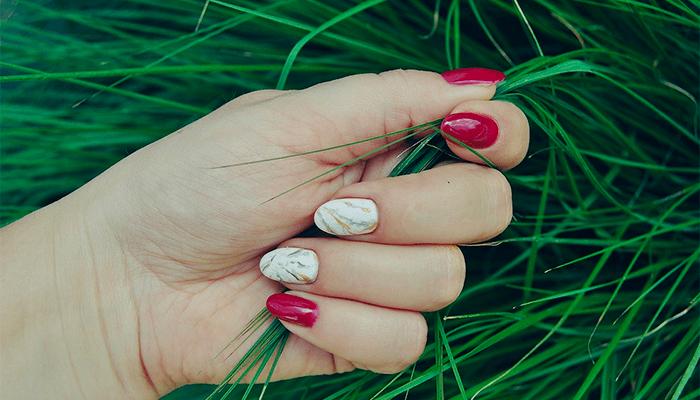 Стричь ногти во сне - толкование сна о стрижке ногтей по сонникам