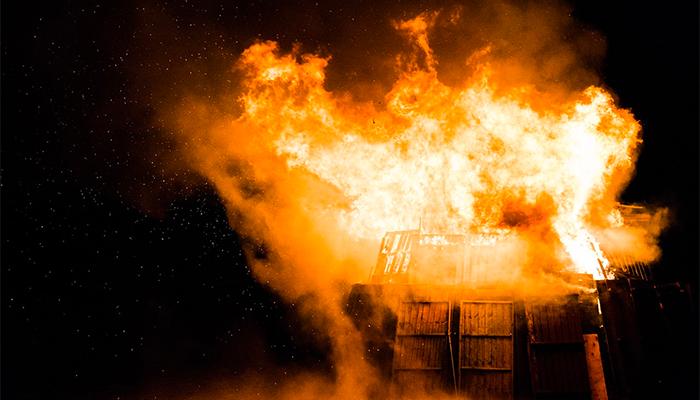 Пожар приснился - подробное толкование снов о пожаре по нескольким сонникам