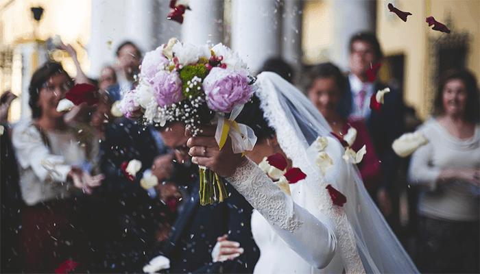 Выходить замуж во сне — к чему снится такой сон?