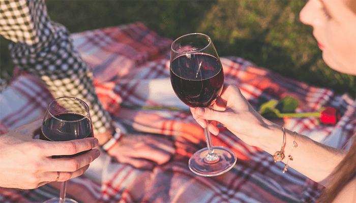 Быть пьяным во сне - к чему снится застолье и опьянение?