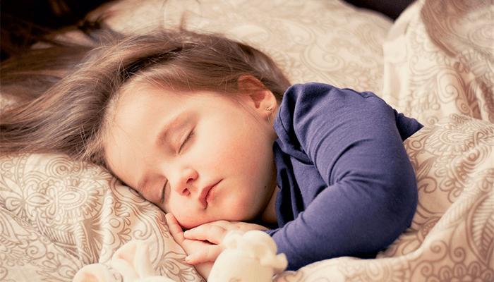 Зачем маленькая девочка приходит в сон к человеку?