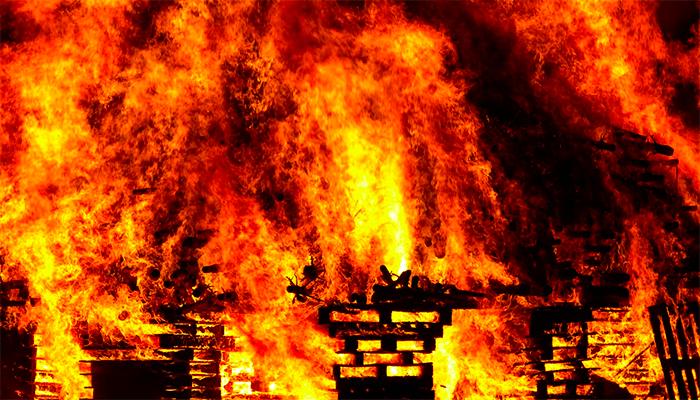 К чему снится сгоревший дом - все варианты толкований