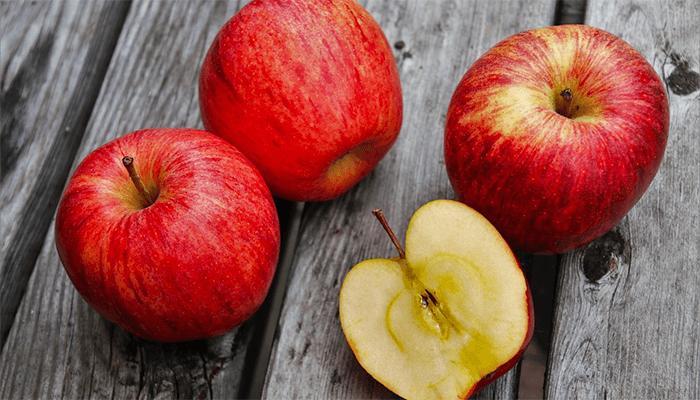 К чему снится яблоко — толкование  яблочного сна по сонникам