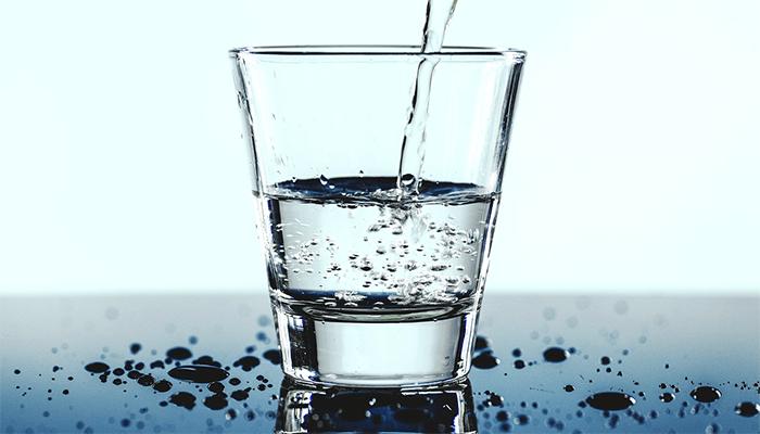 К чему снится вода - толкование по сонникам