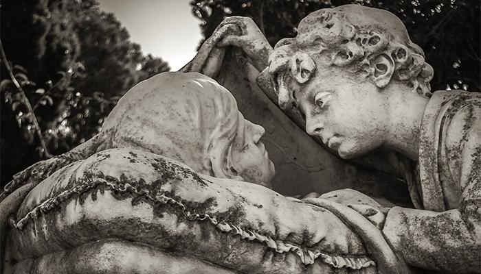 К чему снится видеть себя мертвым в гробу? Толкование по сонникам