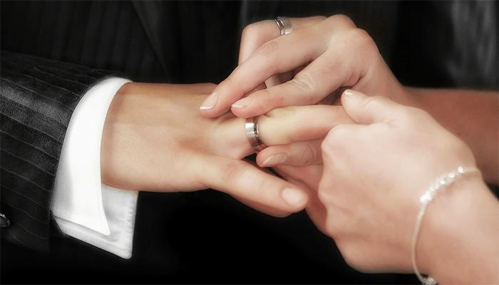 К чему снится серебряное кольцо? Толкование сновидения
