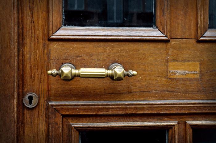 О чем говорит сон, в котором открываешь и закрываешь дверь ключом
