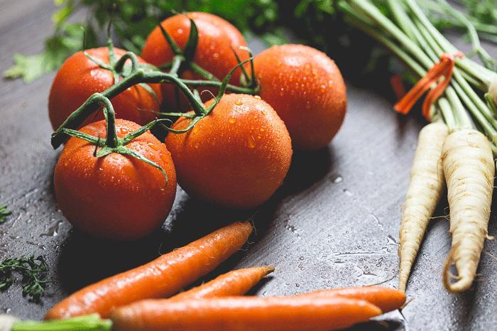 К чему снятся помидоры - толкование сна по сонникам