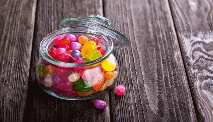 К чему снятся конфеты{q} Есть конфеты во сне