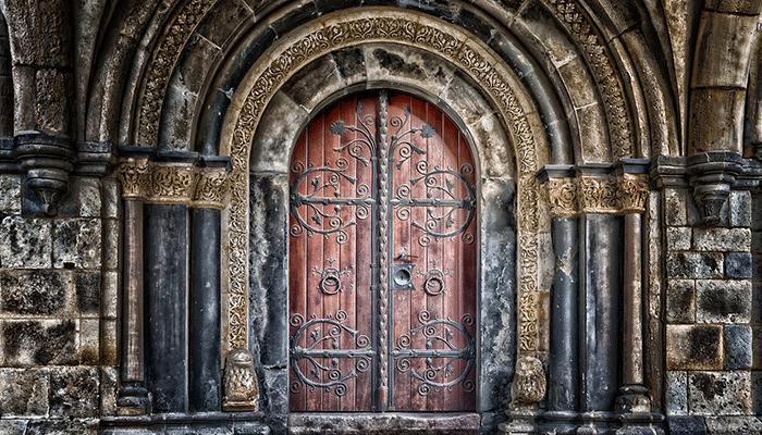 Приснилась дверь - что может предвещать такой сон?