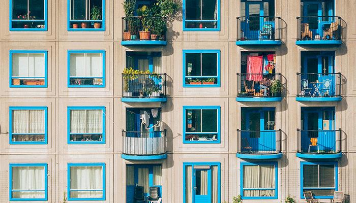 К чему снится балкон - толкование по популярным сонникам