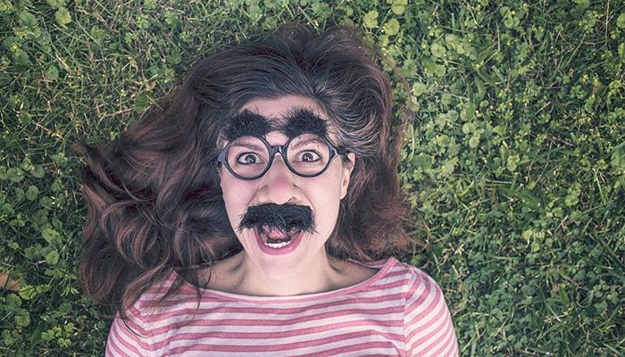 К чему снятся брови — подробное толкование сна по сонникам