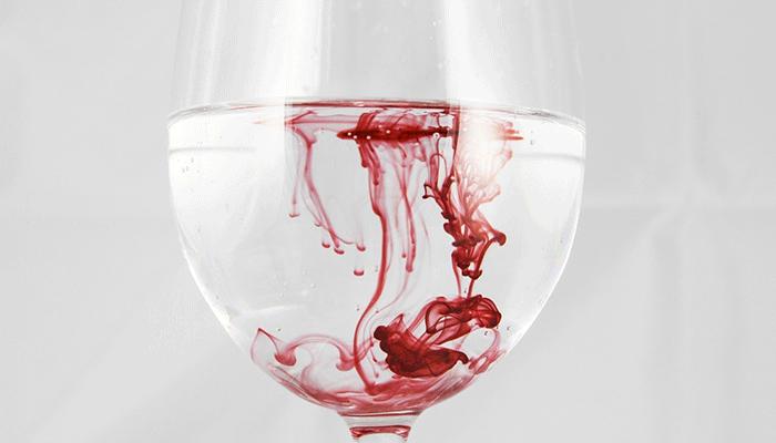 Не к добру это: к чему снится кровь из носа?