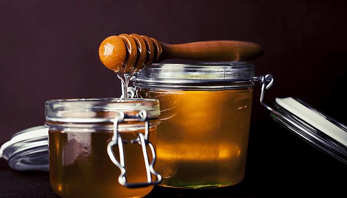 К сладкой ли жизни снится мед? Толкование сна по сонникам