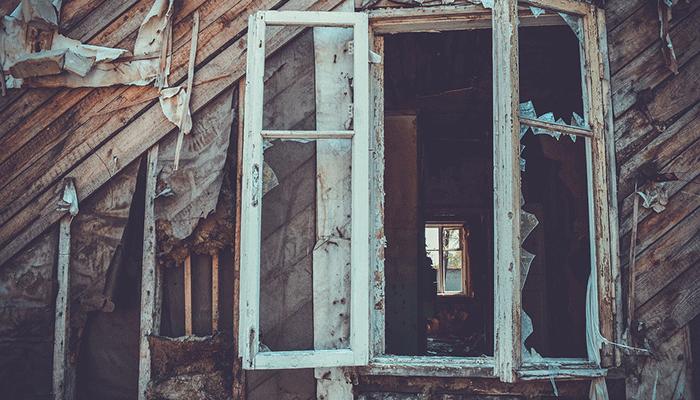 Сновидения с заброшенными зданиями: толкования по популярным сонникам